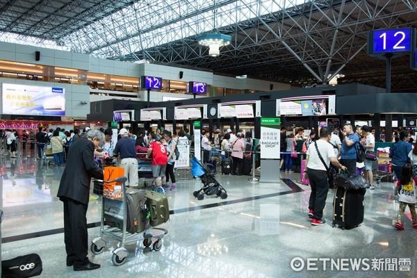 桃園機場,登機報到手續,旅客,出國旅遊,航空公司(圖/記者季相儒攝)