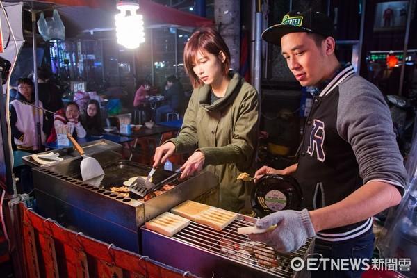 ▲吳懷中跟妻子一起開的堤姆爸爸碳烤三明治。(圖/記者季相儒攝)