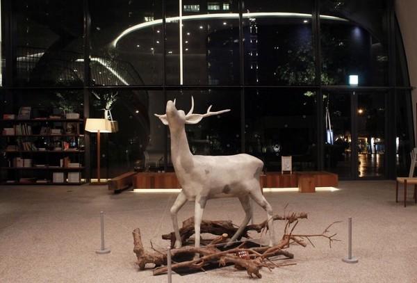 ▲▼「陸府藝角」將舉辦收藏展,展出基金會所收藏的台灣藝術家邱承宏的雕塑作品。(圖/記者葉佳華攝)
