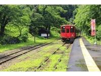 ▲▼日本唯一茅葺屋車站,湯野上溫泉站,會津鐵道。(圖/記者蔡玟君攝)