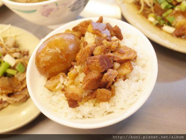 新北2間人氣小吃店!銷魂滷肉飯、排骨酥湯