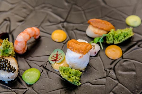 「海底世界」很美的名字,这一盘是以七种不同的顶级海鲜的组合,就连