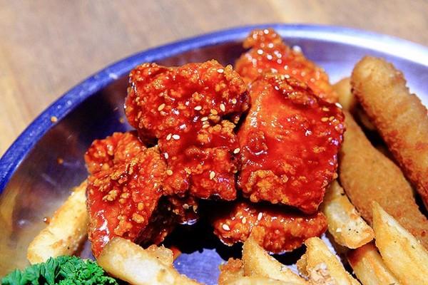 Take Out Burger&Cafe。(圖/upssmile萍子)