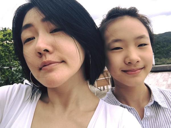 ▲小S大女兒撞臉《模犯生》小琳。(圖/翻攝自小S臉書、茱蒂蒙IG)