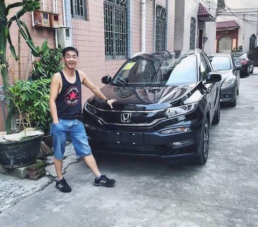 ▲▼叔叔花光月薪送姪子PS2 15年後收到一台全新SUV。(圖/翻攝臉書/Steven Elliot Ng )
