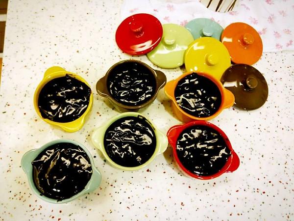 ▲Selina手作熔岩巧克力蛋糕。(圖/翻攝自Selina臉書)