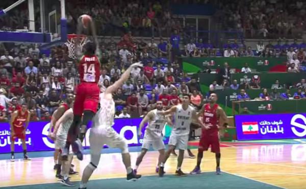 ▲佩爾(norvel pelle)爆扣。(圖/FIBA Youtube影片截圖)