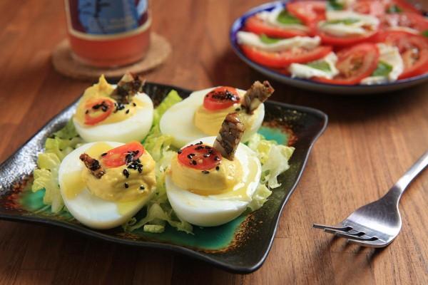 「惡魔蛋」將蛋黃拌上黃芥末,綿滑爽味。(110元/份)