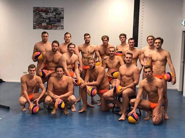 世大運荷蘭水球代表隊成員超養眼。(圖/翻攝自Cloudy Chen臉書)