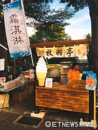 一禮拜只賣三天 台南大東夜市裡用哈密瓜當容器的霜淇淋