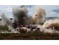 ▲▼俄羅斯2017年舉辦「坦克兩項」競賽,T-72主戰坦克。(圖/路透社)