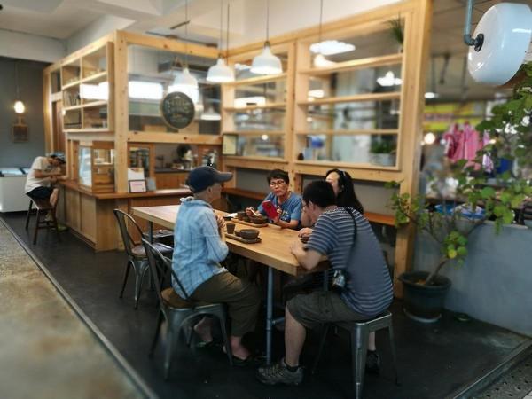 冬山舊市場裡的小清爽鹽滷豆花店