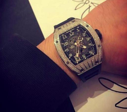 ▲▼BIGBANG太陽的錶根本天價! 「驚人價格」比跑車還貴(圖/翻攝自아이돌 이슈臉書)