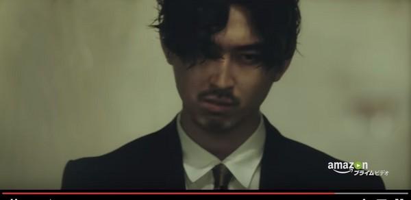 ▲松田翔太甩去廣告喜感印象,扮演冷酷刑警。(圖/翻攝自Amazon Video YouTube)
