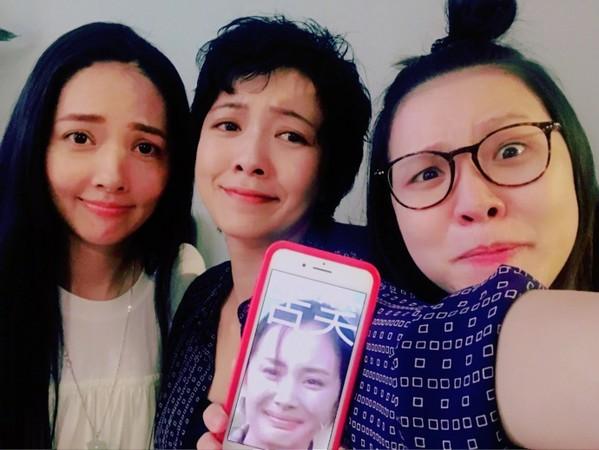 《小時代》4姊妹團聚。(圖/翻攝自郭采潔微博)