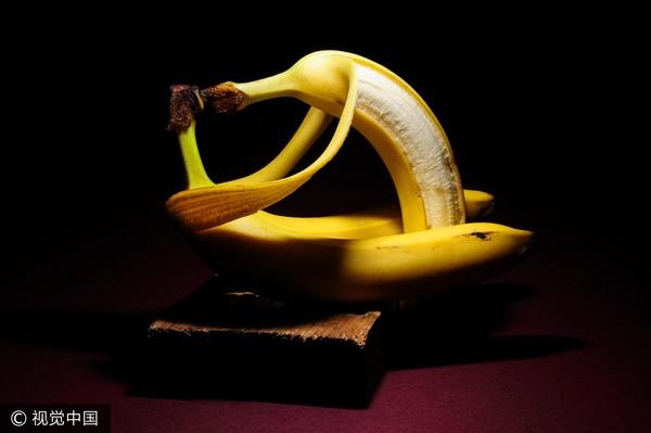 性交中的鸡巴_香蕉,阴茎,下体,鸡鸡,剪断,性爱,床上,上床,做爱.(图/视觉中国)