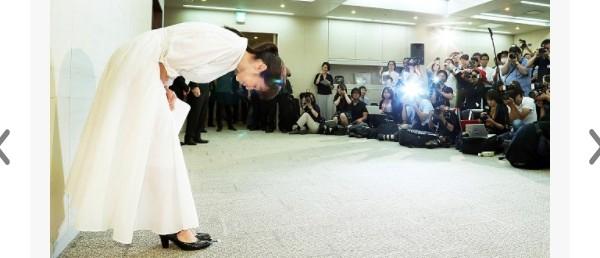 ▲齊藤由貴8月才開記者會強調沒有不倫。(圖/翻攝自日網《體育報知》)