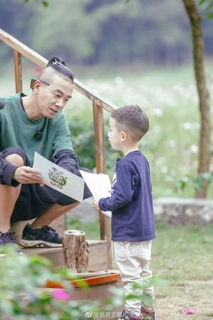 ▲陈小春带小小春去上《爸爸去哪儿5》,父子互动超吸睛.(图/翻摄