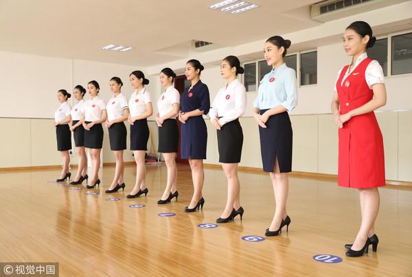 空姐招募如 选美大会 上千正妹 帅哥排排站等挑选图片
