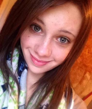 21岁正妹「2枪爆头」偷钱包狂花36