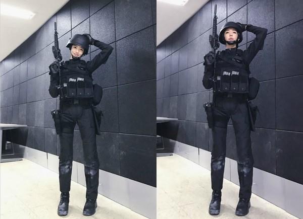 南韩「肌肉皇后」李妍华()2日加入南韩陆军空降旅当特种兵,她赴营队训