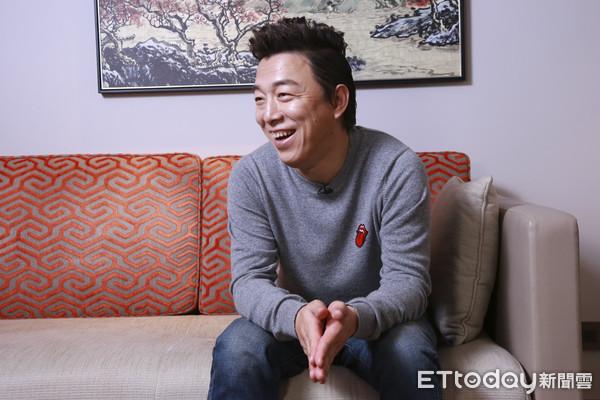 全黄做爱片_金马专访/幽默化解「楼梯间做爱」 黄渤:我也没多吸睛