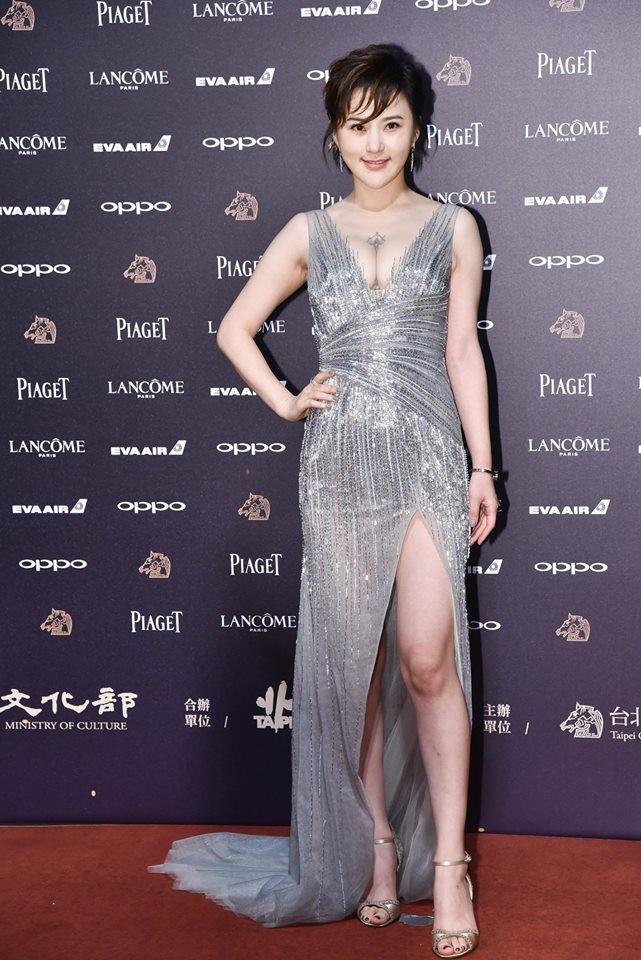 丁国琳_本土剧女星陈佩骐,丁国琳,要用双峰夺版面的意图明显,陈佩骐刻意挤出