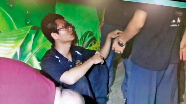 女幼幼裸照_邱嫌拿著骗来的裸照,威胁少女意图性侵,被埋伏警方以现行犯逮捕.
