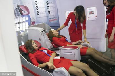 常被旅客亂摸!空姐服務VIP貴客還被嗆:你長這樣滾去經濟艙