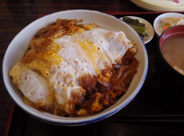 ▲▼日本「B級美食」,日本,豬排蓋飯主要有「雞蛋豬排蓋飯」和「醬汁豬排蓋飯」的兩種。(圖/麻生晴一郎提供)