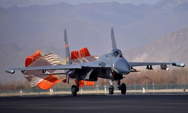 ▲▼解放軍在中印邊境部署殲-10C和殲-11戰機。(圖/翻攝自中國軍網)