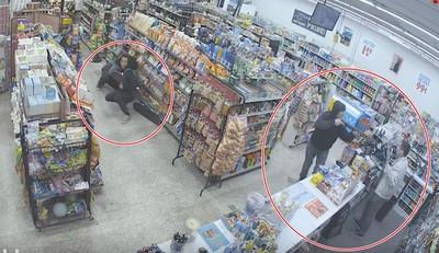 偷東西遇持槍強盜上門!小偷「神走位」一秒壓制悍匪 影片瘋傳