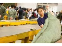 ▲▼陸軍傘兵訓練實況,保傘連摺傘房摺傘。(圖/記者季相儒攝)