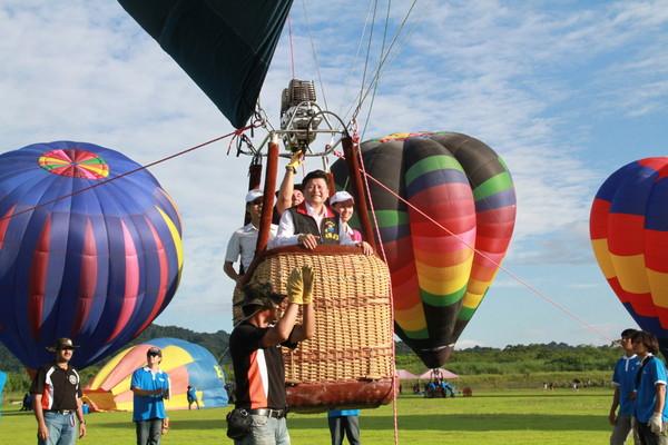 10颗「彩色热气球」完美升空!花莲翱翔季开跑