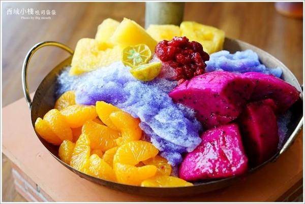 台南创意吐司店有超梦幻「紫色锉冰」图片