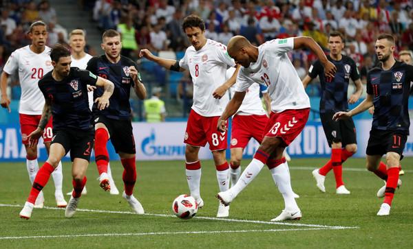 ettoday运动云 足球  第72分钟,丹麦波尔森突入禁区,横敲给约根森