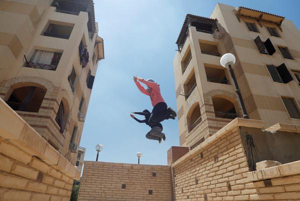 ▲埃及婦女跑酷。(圖/路透社)