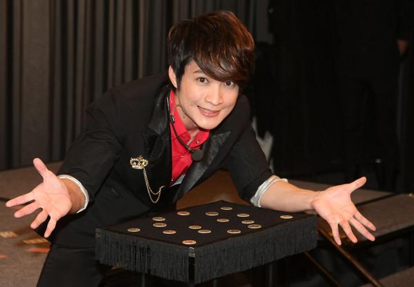 台湾魔术师刘谦央视春晚失手 李佳峰 我相信是真的图片