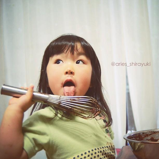 日本4岁小萝莉化身表情女帝大人图片