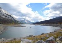 ▲加拿大賈斯珀公園神秘「魔法湖」 每年冬天會自動消失(圖/旅行空間提供)