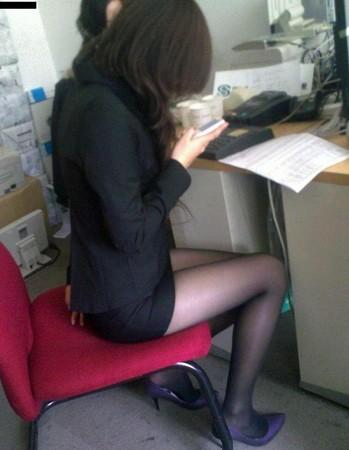 草丝袜女_太有诱惑力! 武汉某中学禁止女教师穿黑丝袜上课