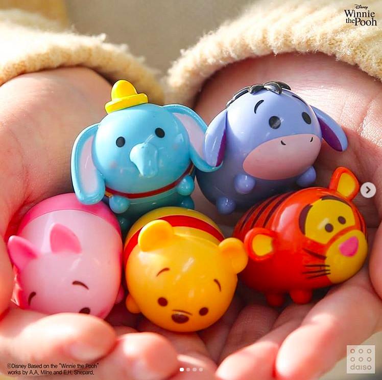 tsum推出超级可爱的印章系列,总共推出12种,最可爱的就是米奇,米妮