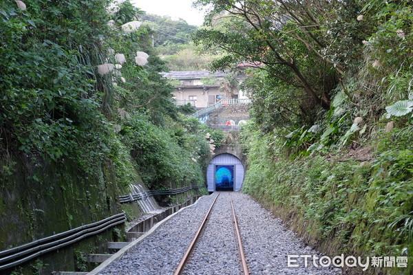 深澳铁道自行车抢先看!全台最美路线 还能开进海底隧道