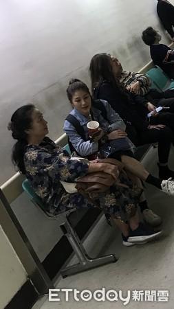 独家/袁惟仁返台「全身插满管」待观察!母及女友探病曝状况:睡死了(图2)