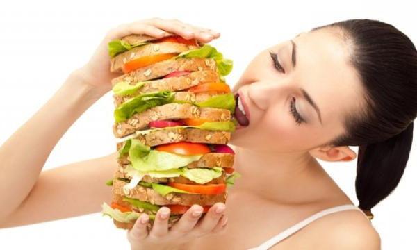 喜怒哀乐都想吃东西? 女性暴食症患病率是男性的十倍