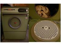 ▲古老烘衣機超長壽!他好奇開濾網...端出「整塊芝麻蛋糕」 驚:竟然沒爆炸。(圖/翻攝自PTT)
