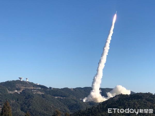 ▲成功大学参与日本东北大学领军的微卫星risesat任务,1月18日台湾时间上午8时50分从日本宇航局(jaxa)的epsilon火箭成功发射升空.