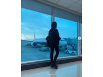 ▲▼女神桃機等飛「正面盯著看」(圖/翻攝自Instagram/chen_ting_ni)