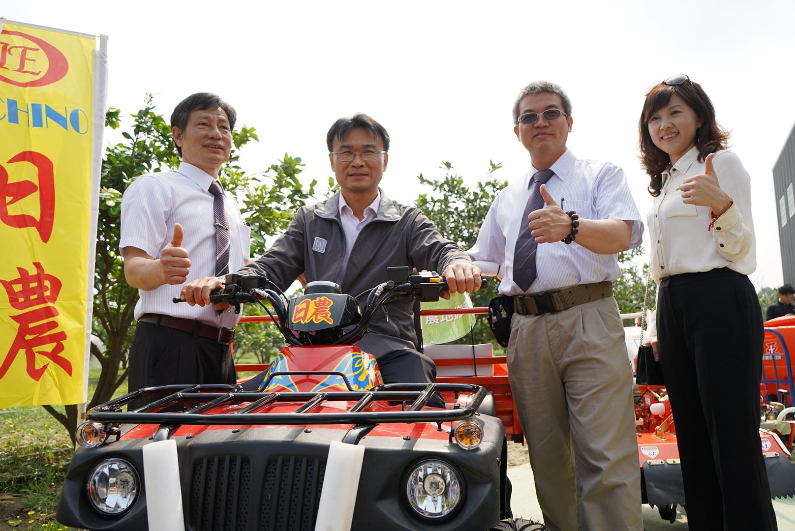 ▲▼農委會主委陳吉仲,小型農機。(圖/農委會提供)