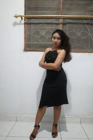 ▲▼印尼女子菲拉拍賣出夜,最後由日本一名政治家以120萬歐元(約台幣4210萬元)奪得。(圖/翻攝自cinderella-escorts網站)